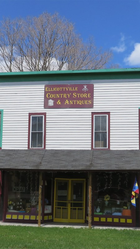 Front of Ellicottville Country Store & Antiques